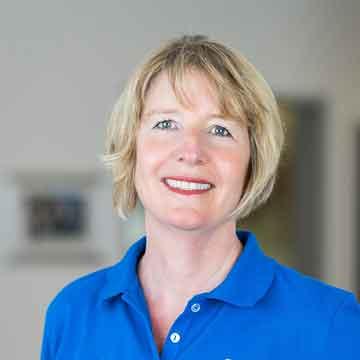 Ursula Schlottmann - Rezeption - Assistenz - Praxismanagement – Frau Schlottmann kann Ihnen alle Fragen rund um Ihre Behandlung beantworten. Durch Ihre langjährige Tätigkeit in allen Praxisbereichen ist sie ein Profi!