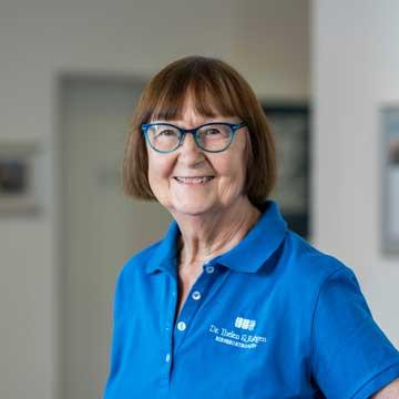 Angelika Sachs - KFO Technikerin – Frau Sachs ist die Fachfrau für lose Spangen in unserer Praxis. Sie kann auf langjährige Erfahrung zurückblicken.