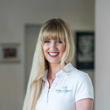 Louisa Werberich - Zahnärztin – Unsere Weiterbildungsassistentin hat an der Universität Bonn Zahnmedizin studiert und promoviert derzeit neben ihrer Weiterbildung.